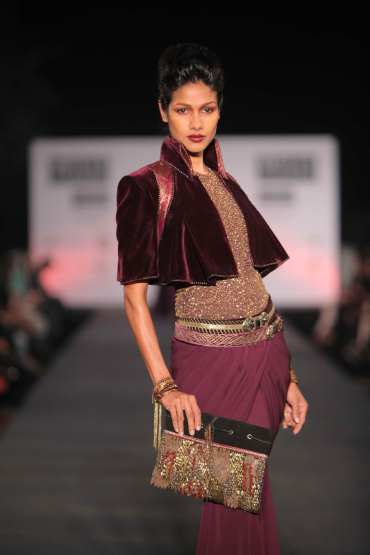 Tarun-Tahiliani-Wills-Lifestyle-India-Fashion-Week-WIFW-2012