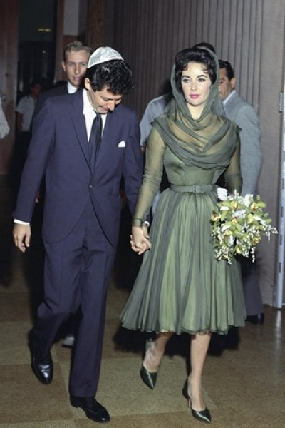 The wedding of weddings the chatterjis blog for Elizabeth taylor s wedding dresses
