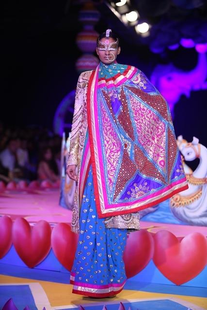 Manish Arora 2013 8